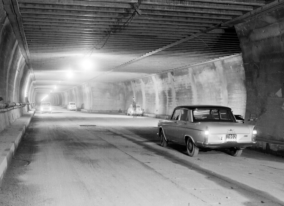 Aper U00e7us Historiques Du Tunnel