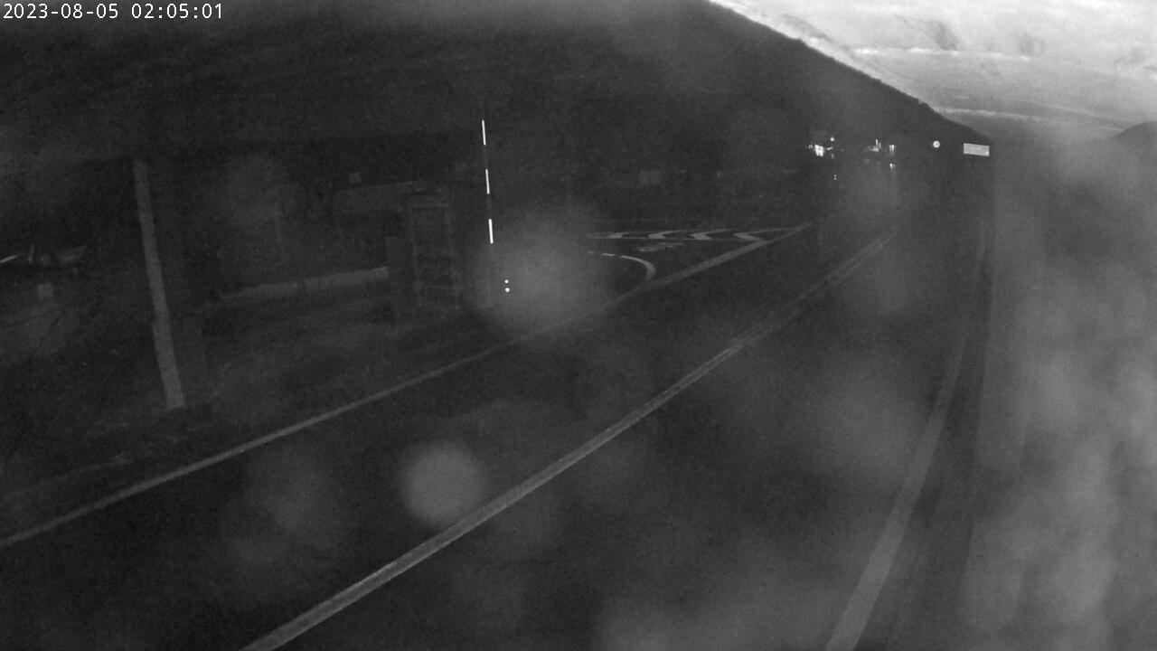 Webcam à l'entrée (côté Suisse) du tunnel du Grand Saint Bernard qui relie Bourg-Saint-Pierre en Valais (Suisse) à Saint-Rhémy-en-Bosses, en Vallée d'Aoste (Italie).